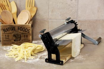 Pasta Machine Con Base 35 cm